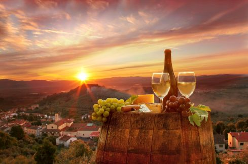 chianti-wine-grapes-barrel-sunset[1]